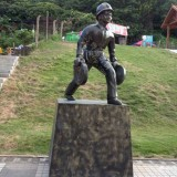 玻璃钢消防人物雕塑