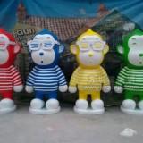 卡通猴玻璃钢美陈雕塑