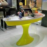 玻璃钢展示桌只为提升香港商场数码展品档次