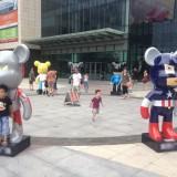 广州广场玻璃钢美陈雕塑