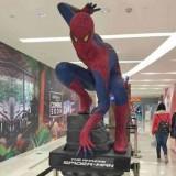 湖南玻璃钢蜘蛛侠雕塑美陈摆件