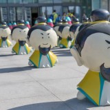 广州商场玻璃钢雕塑美陈布置