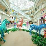 商场玻璃钢彩绘马雕塑