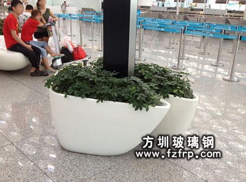 机场高铁大厅玻璃钢花盆
