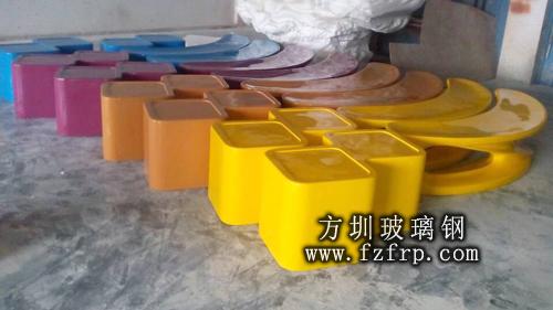 商场玻璃钢坐凳方圳工厂生产图