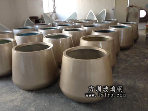 高档装饰玻璃钢花盆工厂生产图