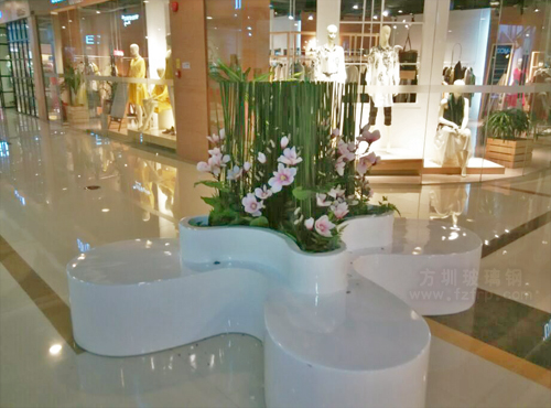 玻璃钢四叶休闲椅商场内部摆放图
