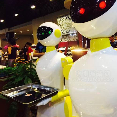 现代餐厅玻璃钢送餐机器人雕塑