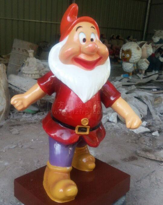 玻璃钢小矮人雕塑成品图展示
