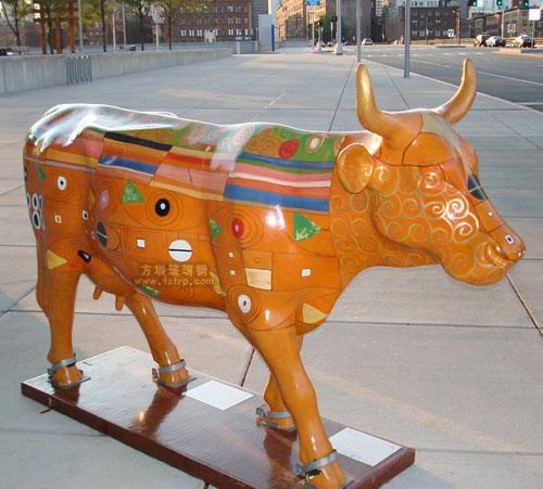 玻璃钢彩绘牛生产工艺