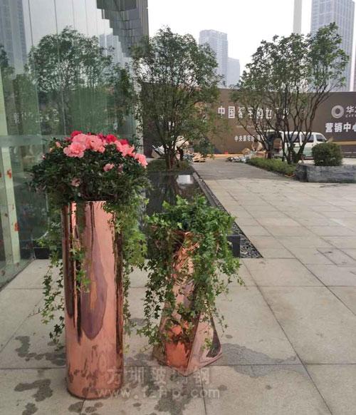 山东玻璃钢电镀组合花盆定做