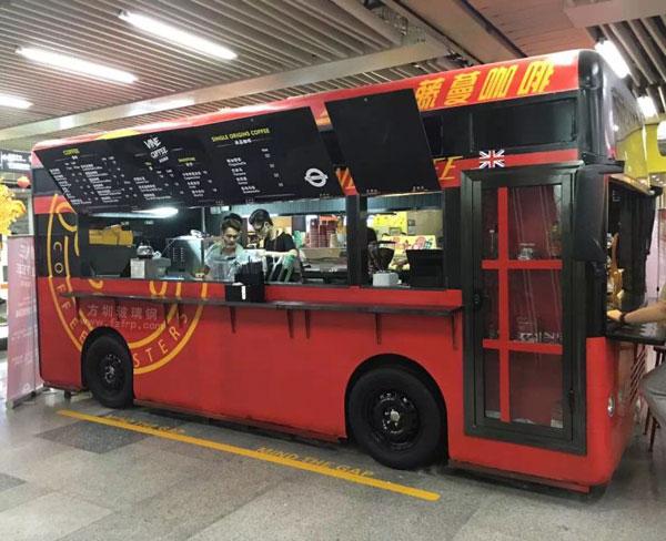 玻璃钢巴士售卖车车模会展中心地铁摆放图