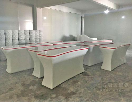 高端定制玻璃钢前台远销青海西宁银行使用