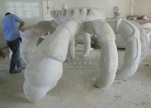 山东玻璃钢大螃蟹雕塑定做