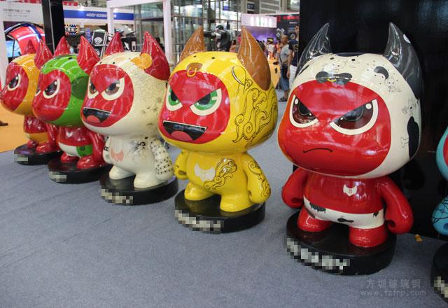 深圳动漫节玻璃钢卡通雕塑引人围观