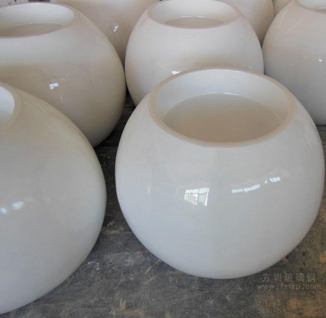 圆形玻璃钢花盆再次美化湖南商场