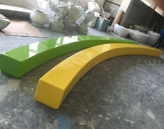 河南焦作个性定制弧形拼接玻璃钢座椅
