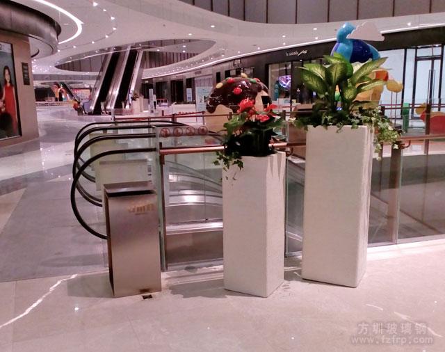 佛山环宇城玻璃钢花缸商场摆放图