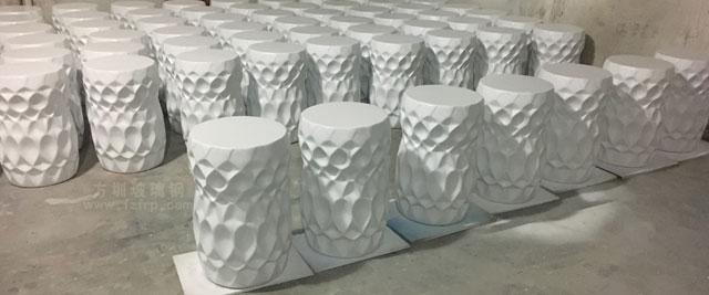 海南大型酒店圆形玻璃钢装饰坐凳工厂生产图