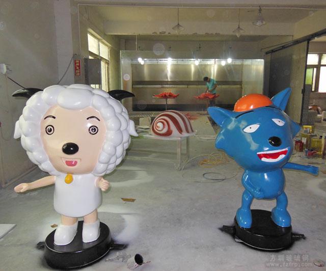 方圳玻璃钢卡通雕塑成海南文昌社区新景观
