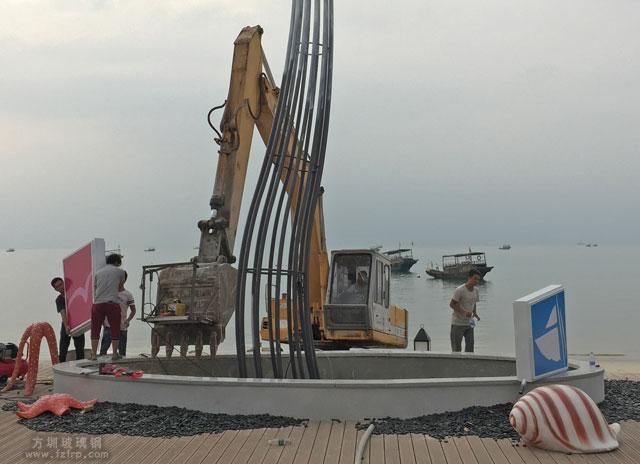 惠州金融街巽寮湾玻璃钢海螺海星组合雕塑现场摆放图