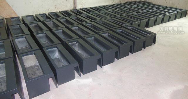 方圳悬挂式玻璃钢花盆立体绿化深南大道