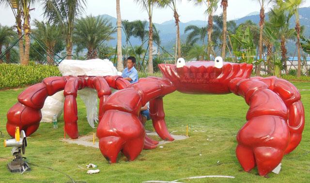 巽寮湾海滨城市景观雕塑玻璃钢螃蟹户外摆放图