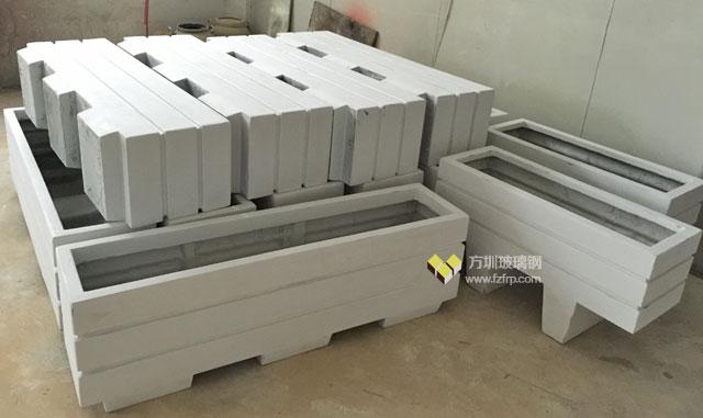 深圳福田中学仿木玻璃钢花箱工厂生产图