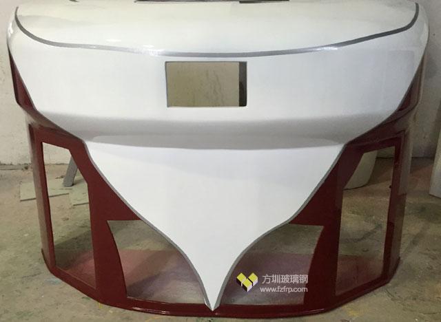 龙岗车企定制的玻璃钢机车外壳正面图