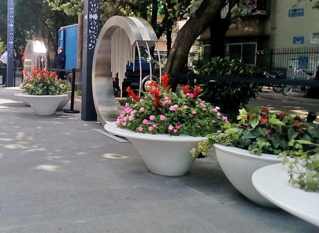 深圳南山楼盘玻璃钢大型户外组合花盆摆放图