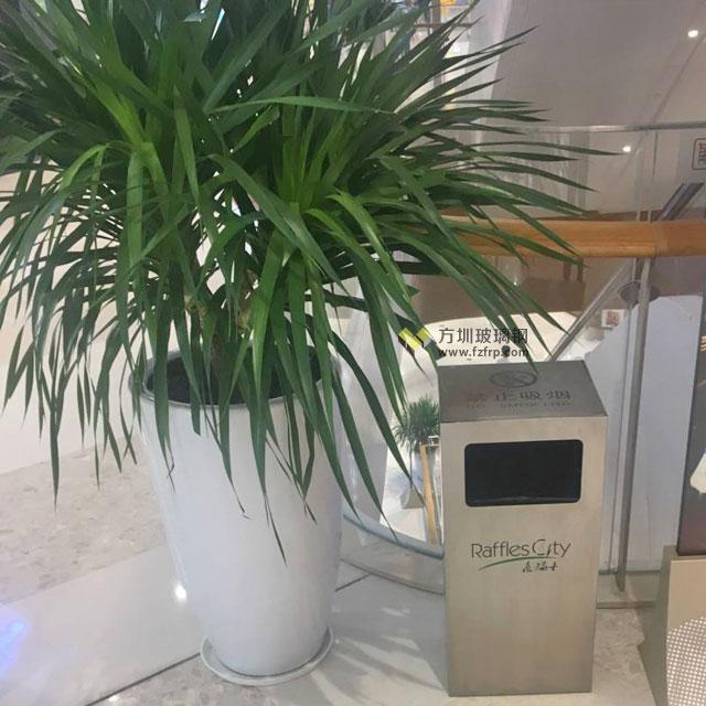 方圳玻璃钢花盆种上绿植绿化深圳南山商场