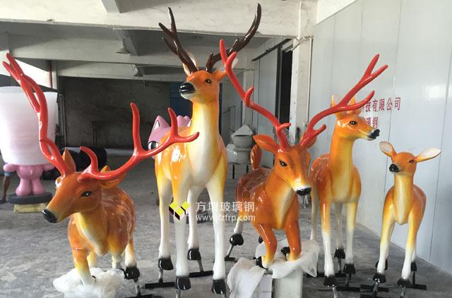 湖南园林景观玻璃钢梅花鹿雕塑组合工厂成品展示图