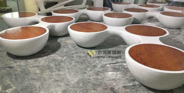 陕西西安商业街三人位玻璃钢纹木纹圆形休闲椅方圳批量生产图