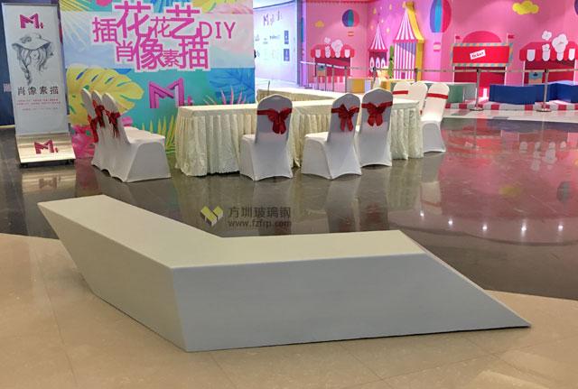 玻璃钢组合休闲座椅提升武汉商场购物体验