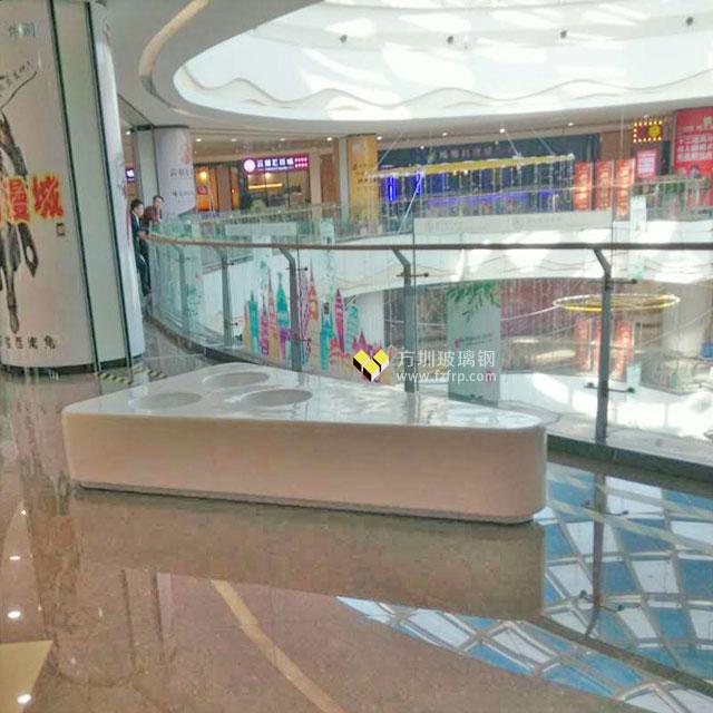 三角形玻璃钢座凳自带花盆美化西安华南城商场