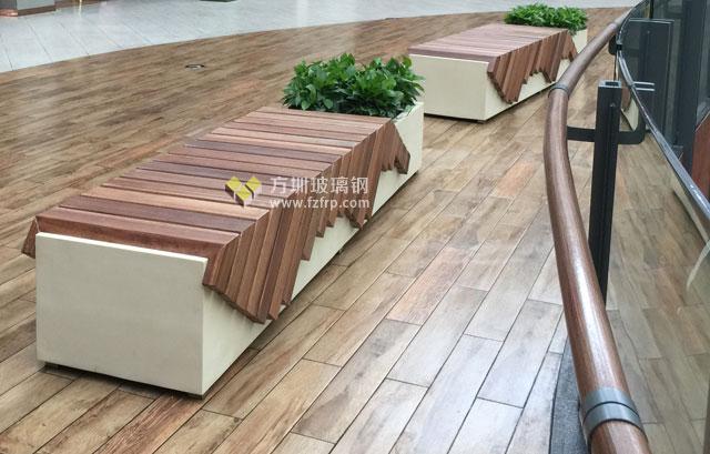 深圳商场定制创意玻璃钢休闲椅花盆现场摆放图