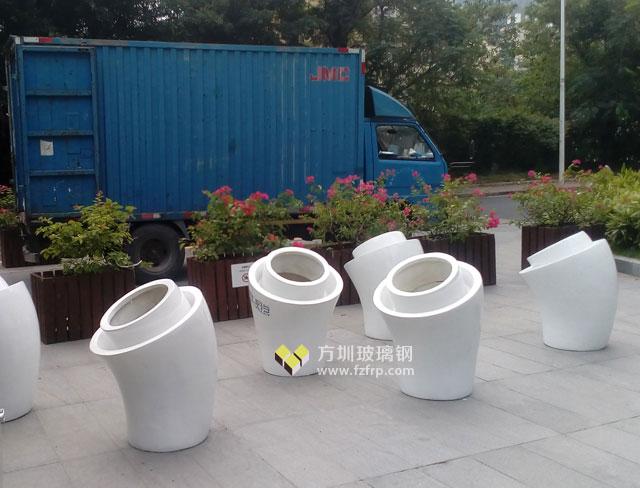 深圳南山蛇口网谷玻璃钢喇叭形花盆方圳送货图