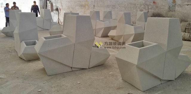深南大道玻璃钢菱形花盆组合多边形花器方圳工厂成品图