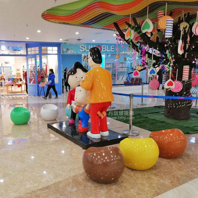 玻璃钢动漫雕塑造型摆件营造陕西新里城亲子氛围