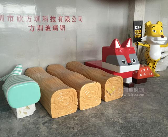 四川成都中国铁建广场186MALL玻璃钢雕塑造型摆件工厂成品图