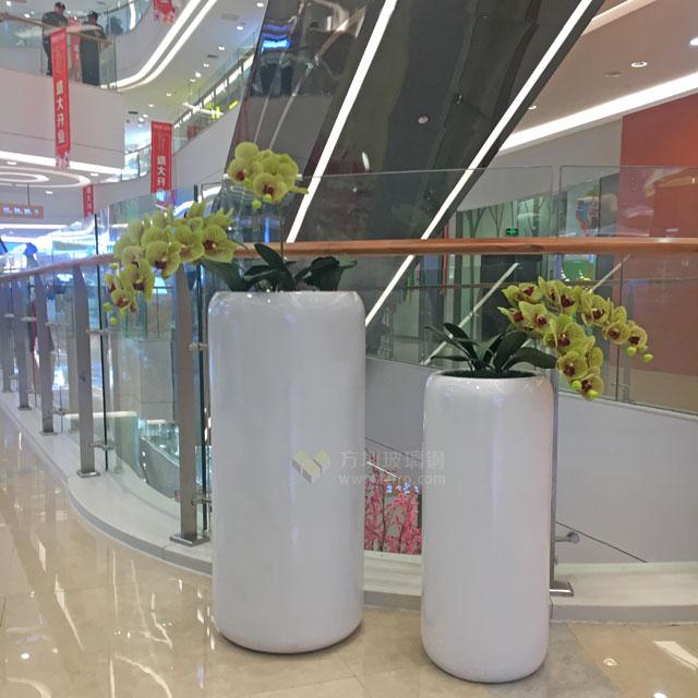 玻璃钢落地式组合花瓶湖南商场开业美陈现场摆放图