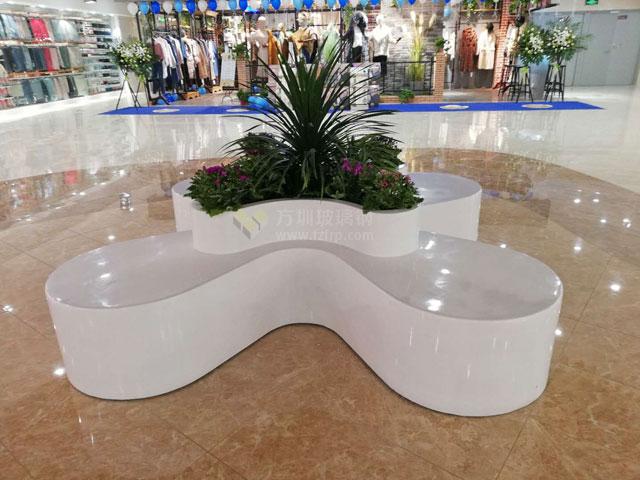 人性化设计商场玻璃钢休闲椅摆放图