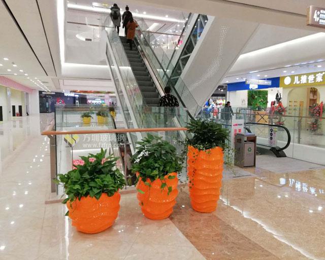 陕西宝鸡大型商场玻璃钢创意组合花盆摆放图