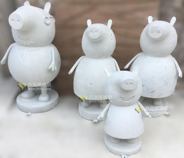 深圳商场大流量IP玻璃钢卡通猪雕塑方圳生产图