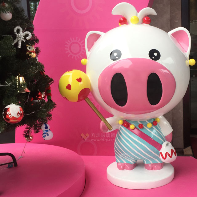 卡通猪玻璃钢雕塑装饰惠州地产圣诞美陈