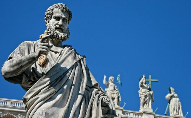 宗教雕塑在中西方古代雕塑中的特点