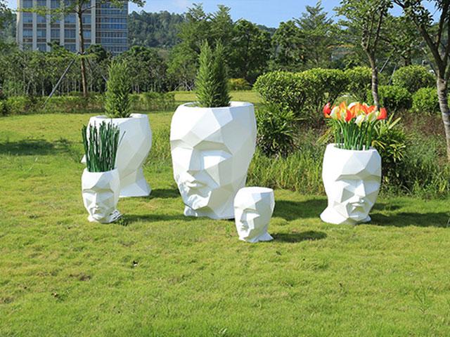创意人头人脸艺术造型切面花盆户外摆放图