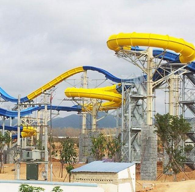 游乐园成人滑梯玻璃钢产品