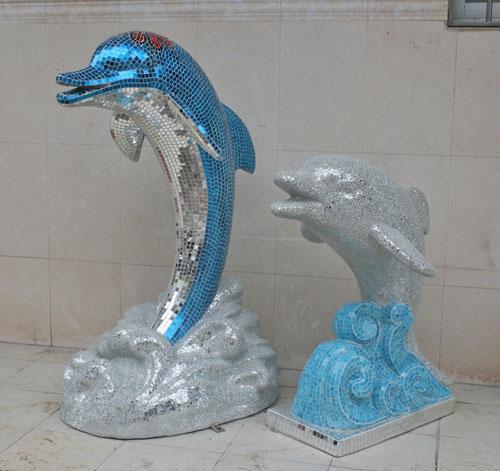 玻璃钢马赛克海豚装饰摆件视觉感丰富户外摆放图