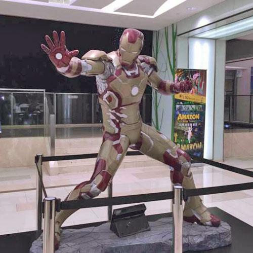 广西玻璃钢钢铁侠雕塑